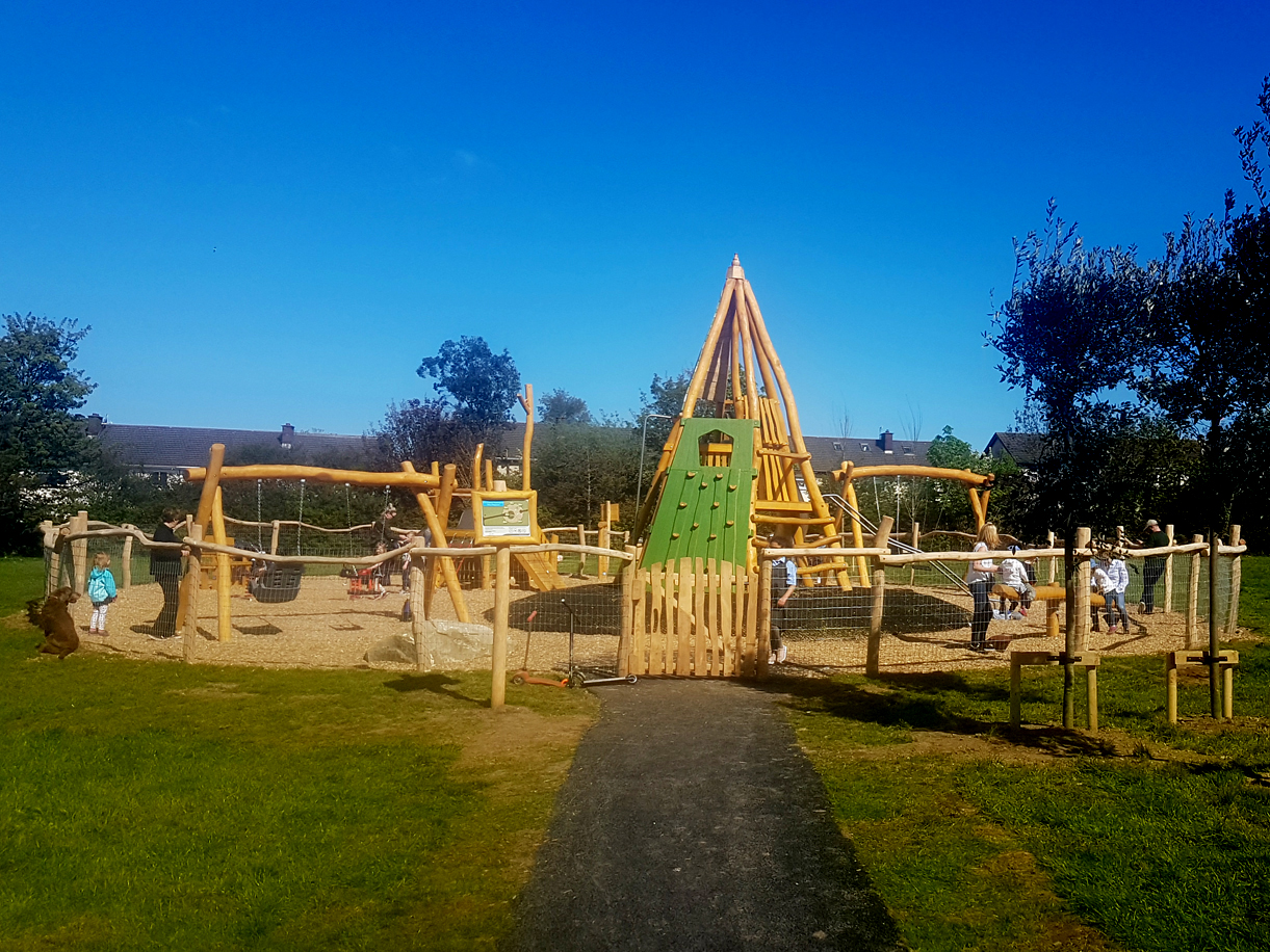 Natural Landscapes for Play, designed, supplied and installed by CPCL, bespoke play equipment, robinia wood.