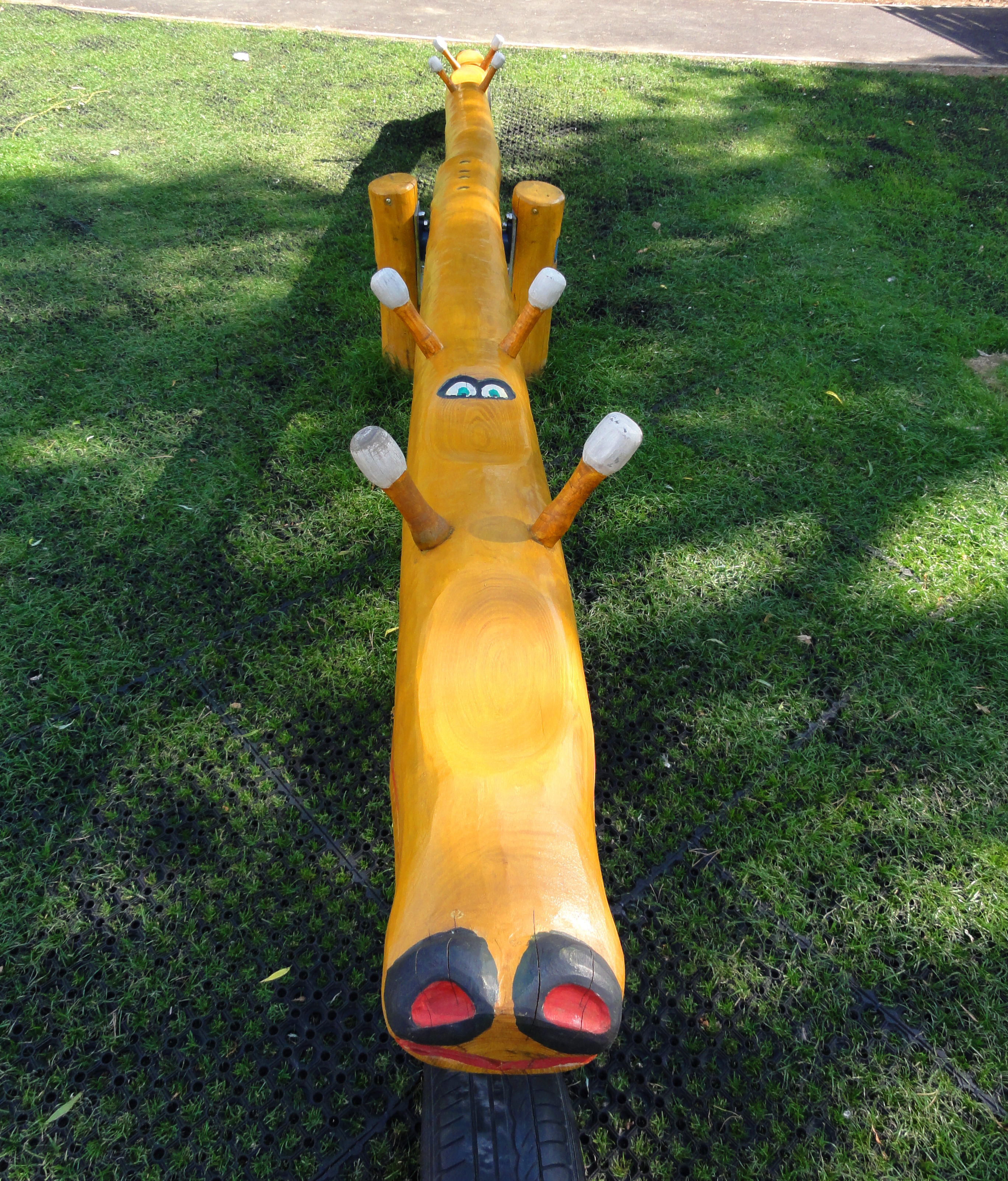 See Saw 4-seats with wooden grips - 1.001