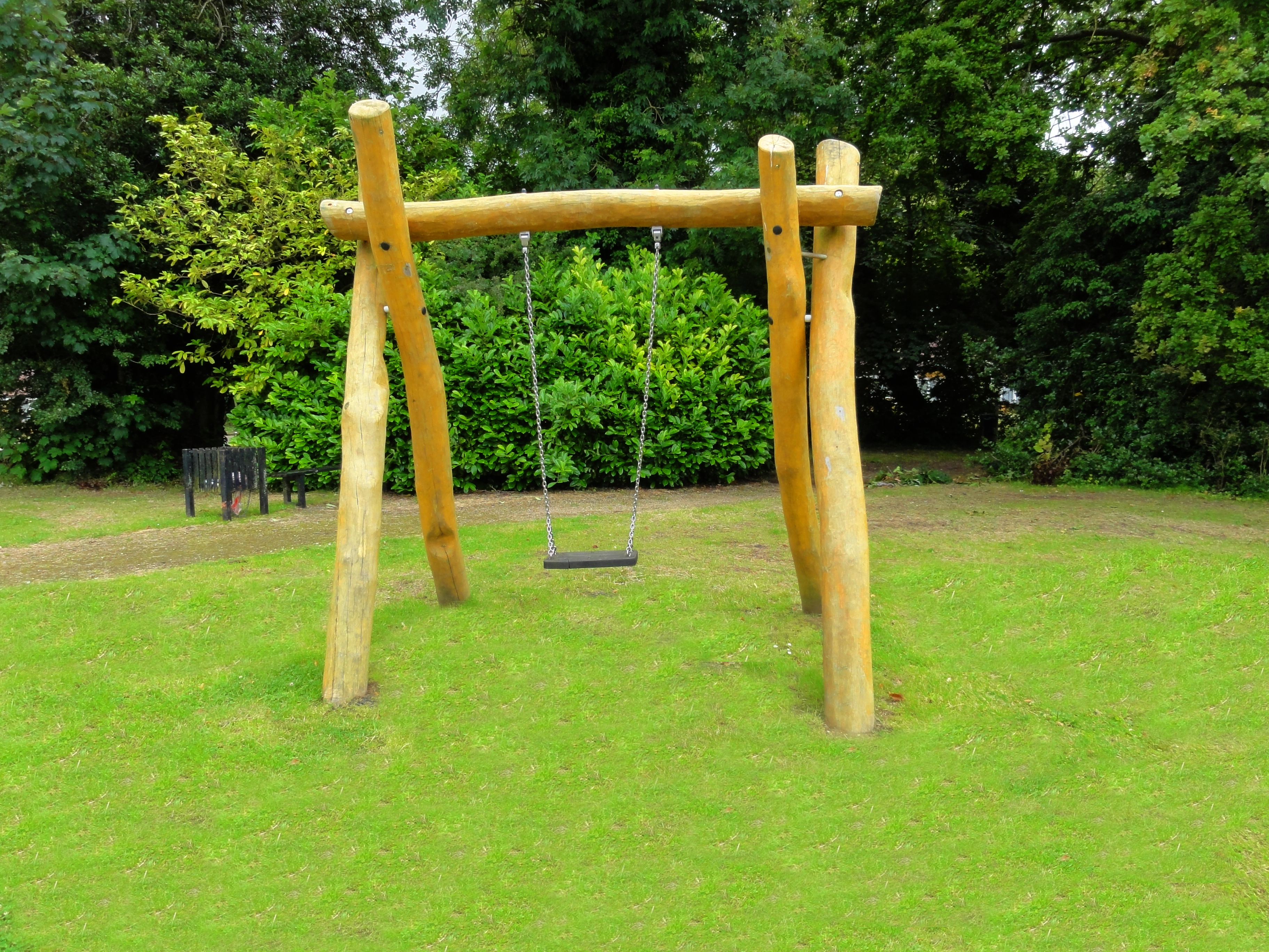 Swing with 1 swing seat, chains of stainless steel, h 2.0 m, 4.000 of Robinia Wood - CPCL